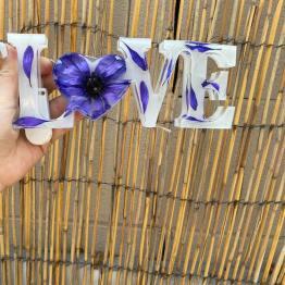amieras-resin-creations-2-artsy-flower