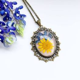 Artsy Flower Victorian Necklace With Wildflowers
