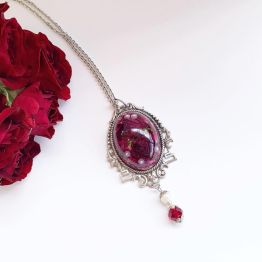 Artsy Flower Victorian Style Rose Necklace