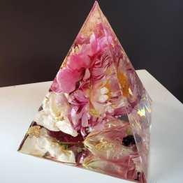 Artsy Flower WJL.Sample.Pyramid