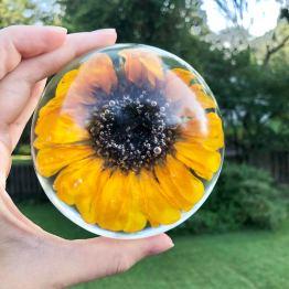 resin-in-bloom-1-artsy-flower