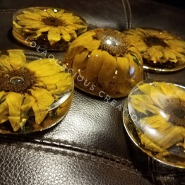 Lolaquacious Creations 5 - Artsy Flower