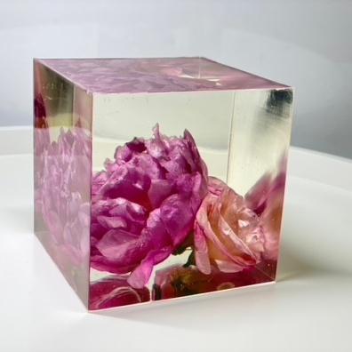 Resinous Art 4 - Artsy Flower